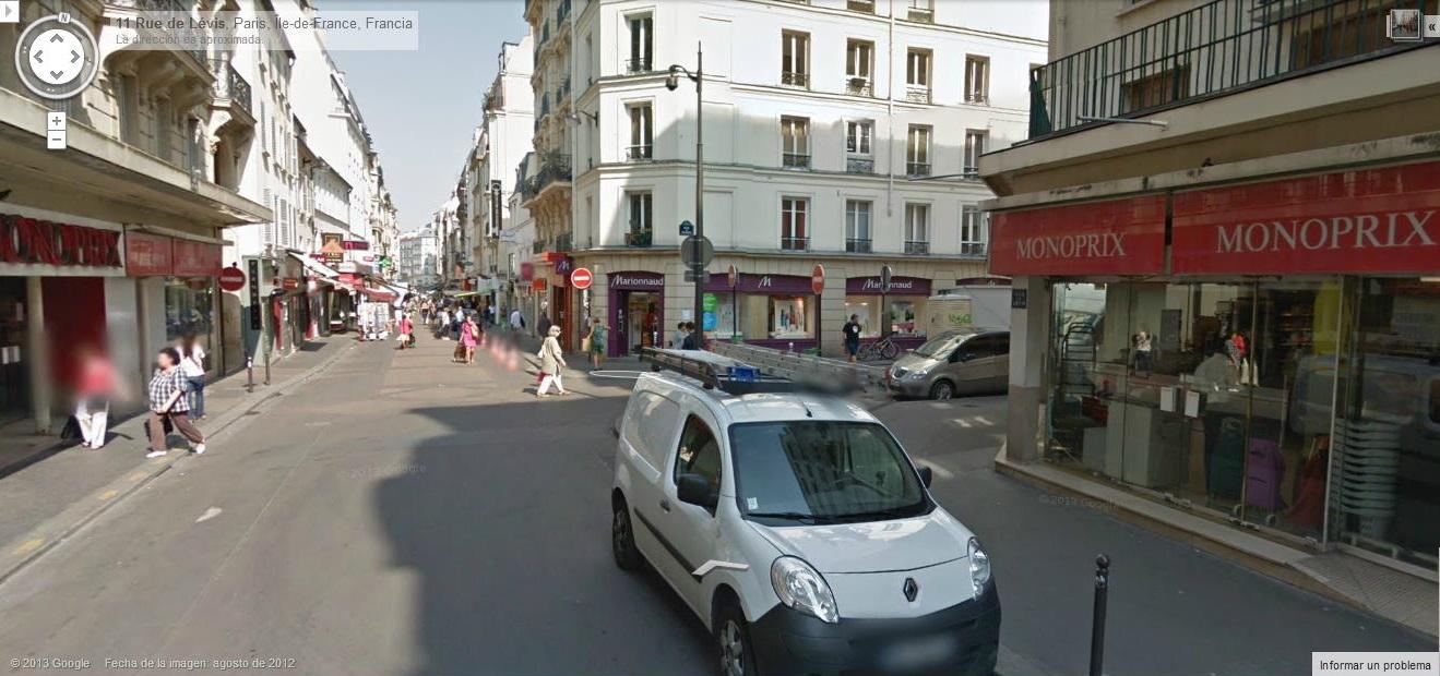 Virar hacia la derecha a la calle Rue des Dames.